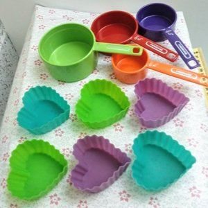 Measuring Cups Silicone Cupcake Baking Heart Cups